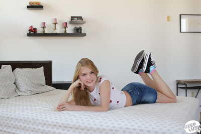 Sweet teen Hannah Hays ends..